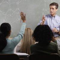 11 Cara Beradab Menghormati Guru
