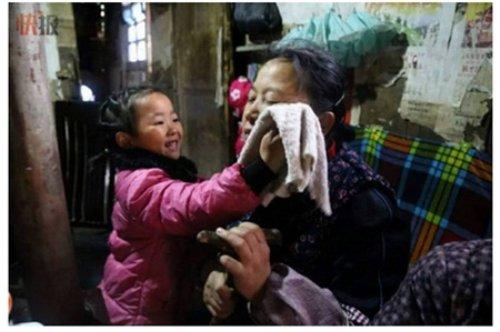 5 Gambar Kanak Kanak 5 Tahun Rawat Nenek Setelah Ayah Dipenjara Dan Ibu Berkahwin Lain