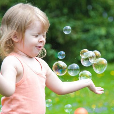 Anak Yang Selalu Dipeluk Setiap Hari Mempunyai Kecerdasan Otak Tinggi Dan Pintar