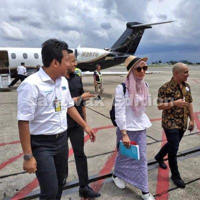 Anwar Ibrahim Keluarga Ke Sana Ke Sini Naik Private Jet Saja