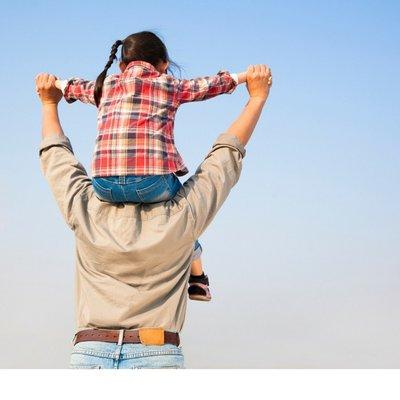 Ayah Adalah Hero Di Mata Setiap Anak Rugilah Kalau Anda Lebih Utamakan Handphone Dari Melayan Anak