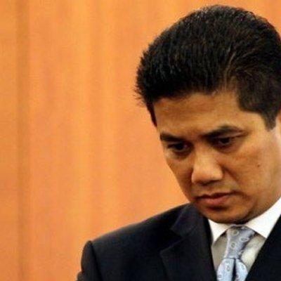 Azmin Ali Terdesak Ciplak Idea Menteri Besar Johor