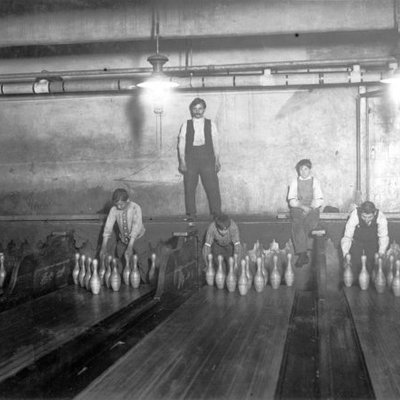Bagaimana Bowling Dimainkan Sebelum Adanya Mesin Bowling