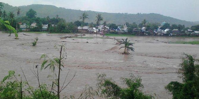 Banjir Melanda Bima Siti Asfah Hilang Terseret Arus