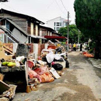 Banjirpulaupinang Timbunan Sampah Tidak Diangkut