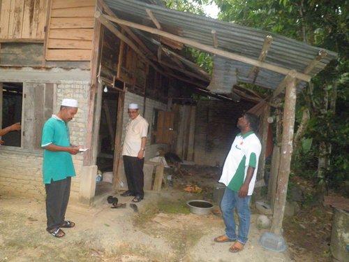Bersama Penduduk Kampung Paya Mengkuang
