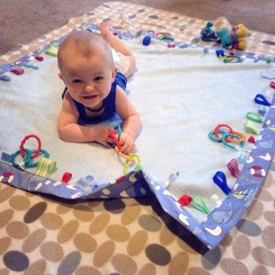 Buat Aktiviti Tummy Time Untuk Bayi Baru Lahir Sampai Umur 3 Bulan Supaya Perkembangannya Lebih Memberangsangkan