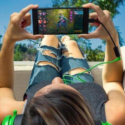 Ceo Razer Menjelaskan Mengapa Telefon Pintar Keluaran Mereka Tidak Dilengkapi Bicu Audio