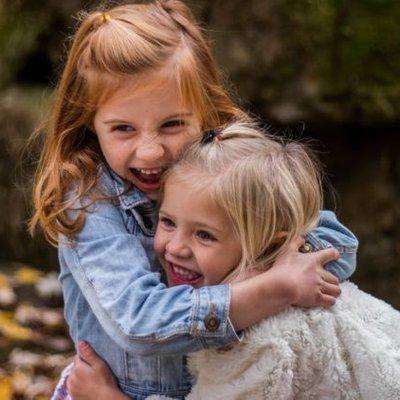 Dear Mama Papa Muda Ingin Anakmu Cerdas Dan Penuh Kasih Sayang Peluk Mereka Setiap Hari