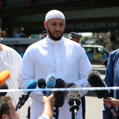 Dipuji Tindakan Imam Masjid London Halang Pukul Penyerang
