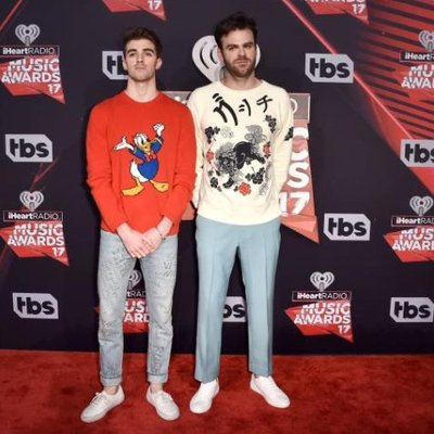 Drake The Chainsmokers Terima 22 Pencalonan Anugerah Billboard 2017