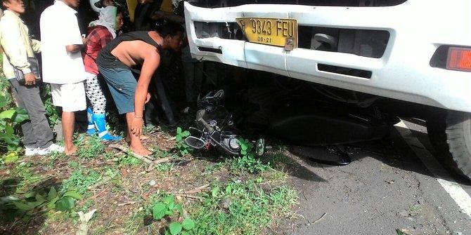 Dua Truk Adu Banteng Tabrak 2 Motor Anggota Brimob Tewas Di Tempat