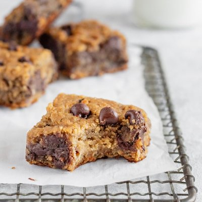 Flourless Chocolate Chip Chickpea Blondies Vegan Gluten Free Healthy