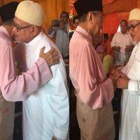 Gambar Mesra Tun Mahathir Hj Hadi