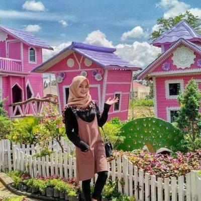Green House Lezatta Destinasi Kekinian Dan Warna Warni Yang Bikin Enggan Pulang