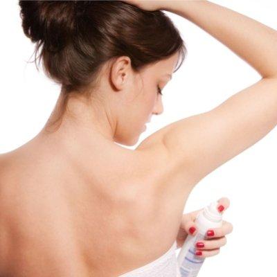Guna Tips Ini Untuk Elak Kesan Deodoran Pada Baju