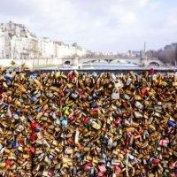 Hampir Sejuta Mangga Cinta Akan Ditanggal Dari Jambatan Di Paris