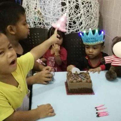 Happy Birthday Angah Kami Sayang Angah