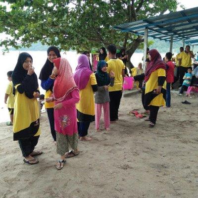 Hari Keluarga Aflah Nizam Di Teluk Senangin