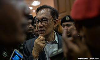 Himpunan Klepek Kenapa Mahathir Bukannya Anwar