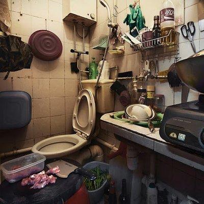 Hong Kong Coffin Cubicles Life Inside
