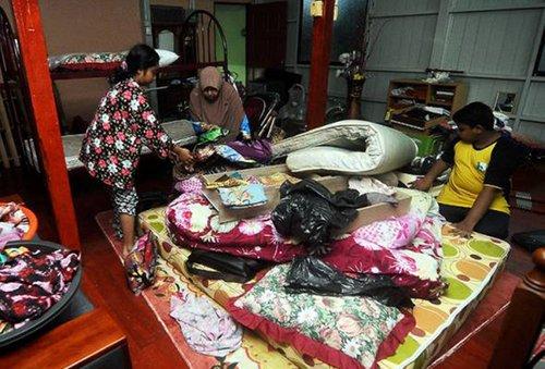 Hujan Berterusan Sebuah Pusat Pemindahan Dibuka Di Kuantan