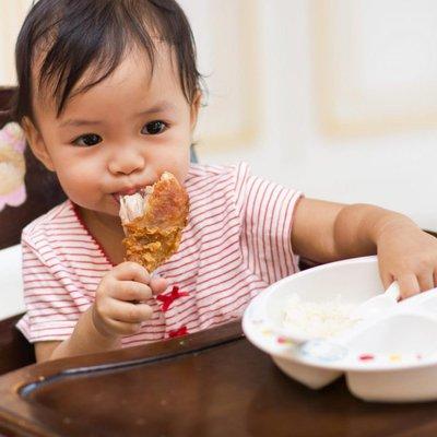 Ibu Ayah Sediakan Makanan Ini Untuk Menyokong Perkembangan Otak Si Manja