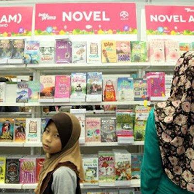 Industri Buku Tempatan Sedang Jatuh Teruk