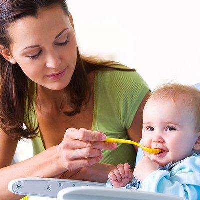 Jangan Bagi Bayi Makan Sebelum Usianya 6 Bulan 4 Sebab Ini Ibu Kena Tahu