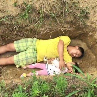 Kasih Bapa Sehingga Sanggup Membawa Anaknya Bermain Dalam Kubur