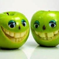 Kenapa Mesti Senyum Kepit Tak Nampak Gigi