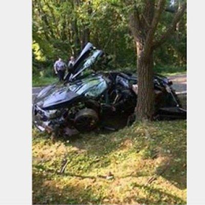 Kereta Mewah Remuk Teruk Dalam Satu Kemalangan Ketika Baru 24 Jam Dibeli