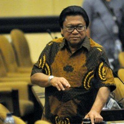 Ketua Mpr Serahkan Calon Pengganti Oesman Sapta Ke Dpd