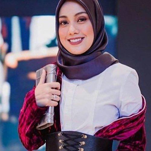 Komen Balas Mia Ahmad Bila Video Cium Suami Dikecam Netizen