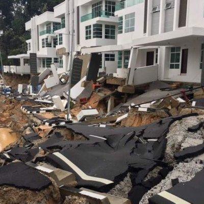Lagi Tanah Runtuh Tanjung Bungah Kawasan Pembinaan Rumah Mewah Di Lereng Bukit Merekah