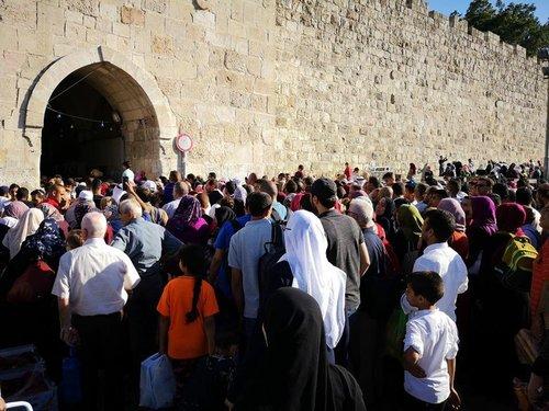 Lailatul Qadar Umat Islam Palestin Serbu Masjid Al Aqsa