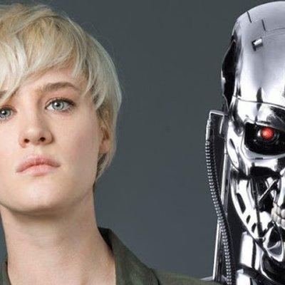 Layan Foto Mackenzie Davis Dari Set Filem Terminator 6 Di Sini