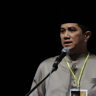 Mahathir Akui Azmin Layak Jadi Pm Tapi Tak Dipilih Ph