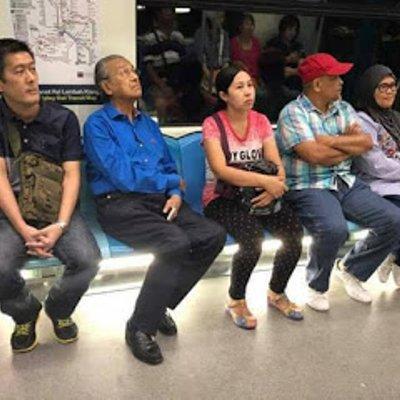 Mahathir Bergambar Naik Kuda Mrt Tarik Perhatian Dari Isu Skandal Yang Dihadapi