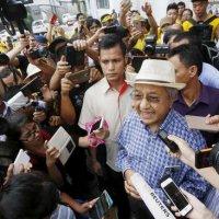 Mahathir Turun Malaysia Kembali Stabil