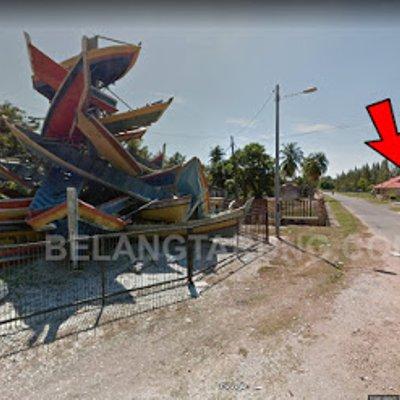 Makan Nasi Goreng Udang Dekat Sampan Tsunami Kuala Muda Kedah