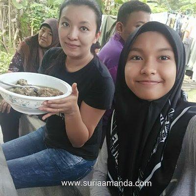 Makan Sup Tulang Lembu Korban Di Aidiladha