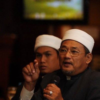 Mantan Imam Masjid Negara Sertai Amanah