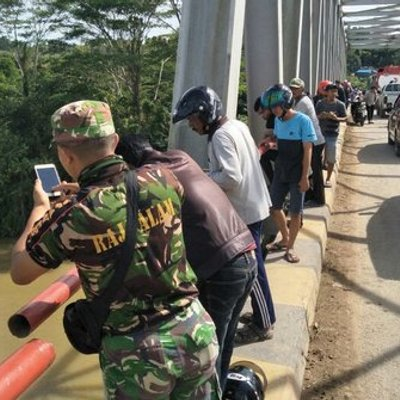 Merasa Kurang Diperhatikan Orangtua Abg Di Kaltim Bunuh Diri Melompat Ke Sungai