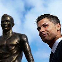 Model Seksi Itali Teman Baru Cristiano Ronaldo