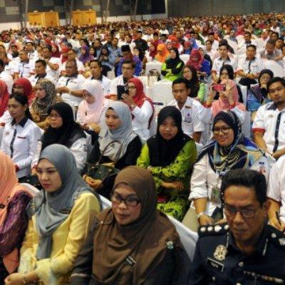 Najib Razak Tuntut Penjawat Awam Supaya Setia Kepada Kerajaan