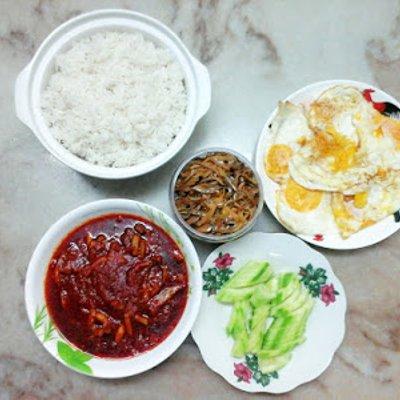 Nasi Lemak Sambal Sotong Kembang