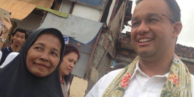 Nenek Sadiah Beri Kain Gendong Dan Titip Anak Bukit Duri Pada Anies