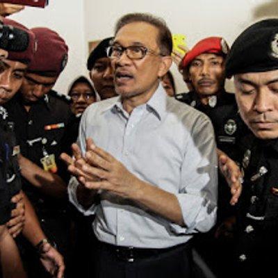 Obstacles To Mahathir S Revenge To Regain Power