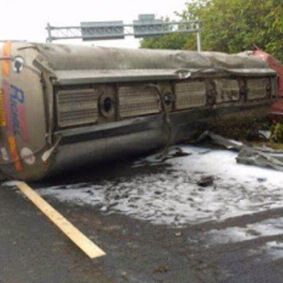 Pemandu Lori Maut Tersepit Kemalangan Di Senawang